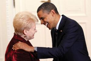 """""""Sostų karai"""". II dalis:  Naisių vyrai, D. Grybauskaitės palikimas ir bundanti šlėktų imperijos galia"""