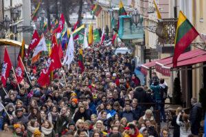 Sveikiname visus su istorine Vasario 16-ąja, privalančia pažadinti patriotus, katalikus ir inteligentiją