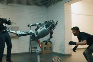 COVID-19 pandemija naudinga robotams, bet ne Lietuvoje. Ir tai yra blogai