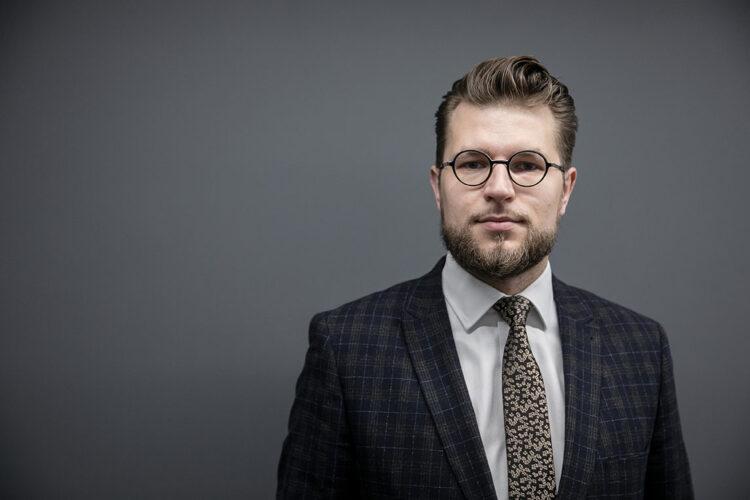 Lukas Savickas – žmogus, neįtikęs Gitanui Nausėdai ir šiandien vadovaujantis ekonomikos gaivinimui