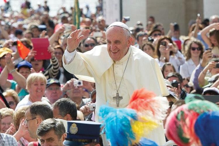 Popiežius Pranciškus stengiasi gesinti homofobijos laužą